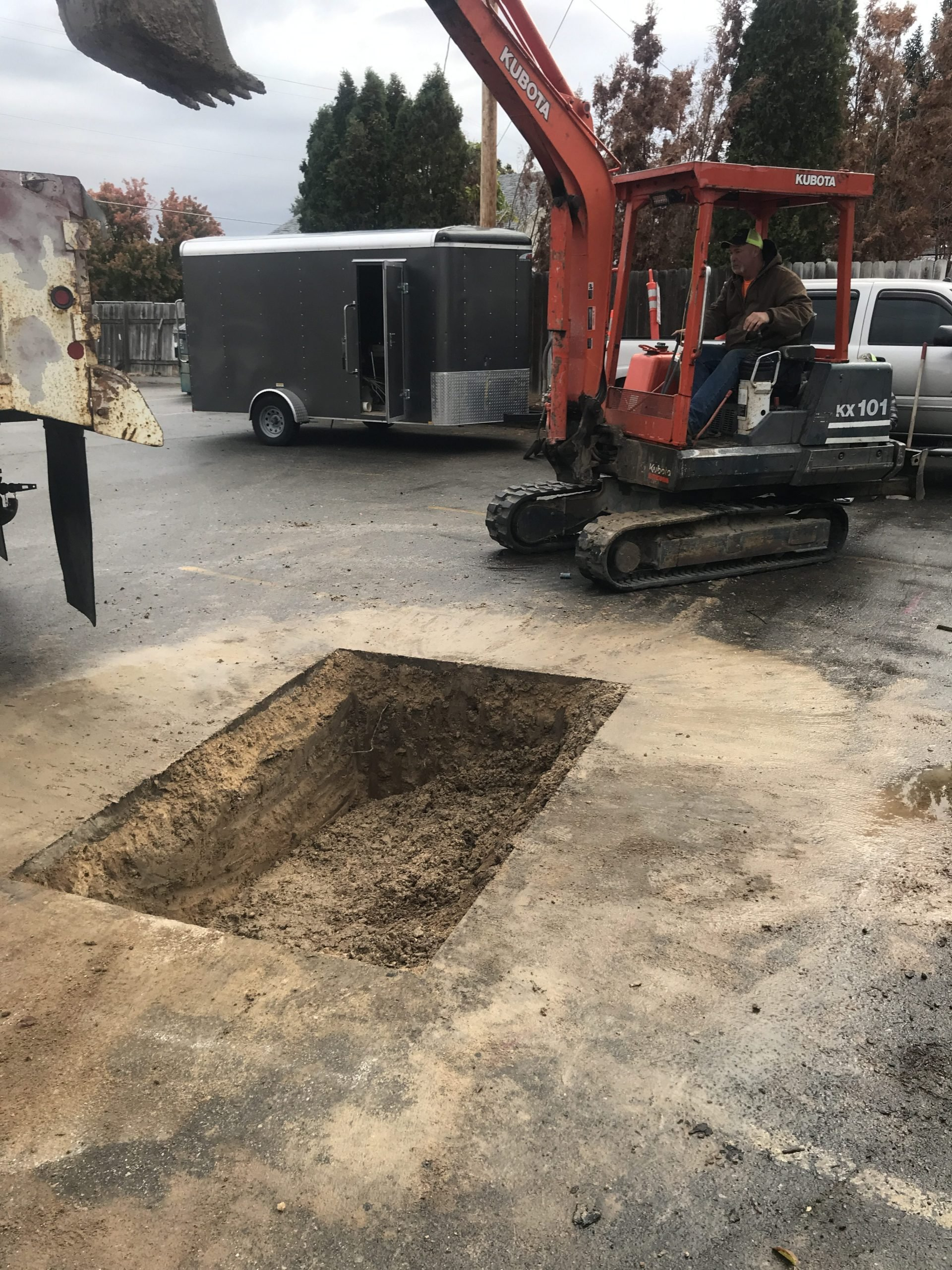 Access-Hole-for-Trenchless-Repair-e1554478068348
