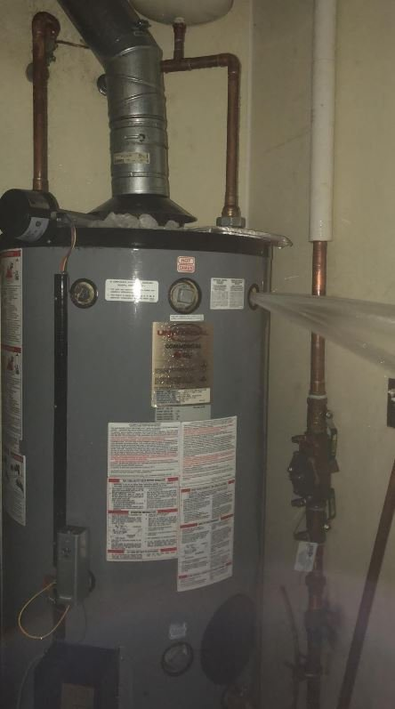 Old-water-heater-at-Sonic